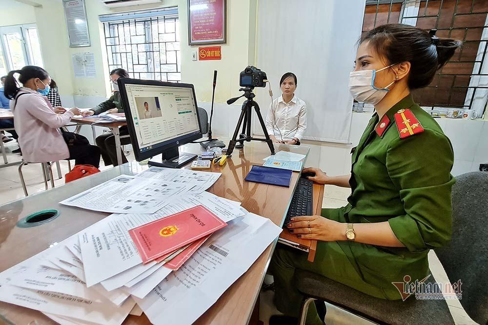 Hà Nội lập tổ lưu động thu nhận hồ sơ căn cước công dân gắn chíp