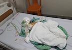 Bố vừa qua đời, con trai 1 tuổi gặp tai nạn bỏng nghiêm trọng