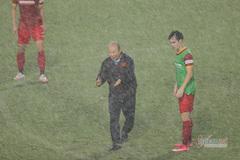 Hé lộ lý do thầy Park cho tuyển Việt Nam dầm mưa dãi nắng