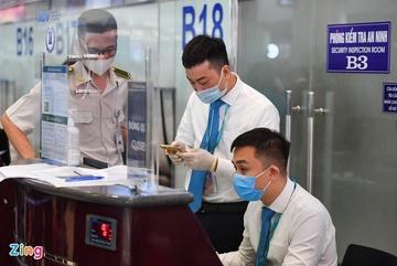 Hành khách hủy vé bay có được hoàn phí soi chiếu an ninh?