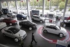 Ô tô đắt càng thêm đắt vì giá vật liệu 'bốc đầu'