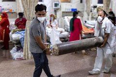 Chỗ dựa của các bệnh viện Ấn Độ khát oxy điều trị Covid-19