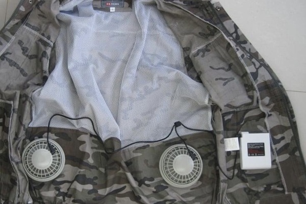 Bỏ tiền triệu mua áo gắn điều hòa 'hạ nhiệt' nắng nóng như thiêu đốt