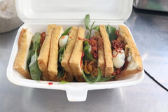 Fried tofu sandwich:the hot new street snack