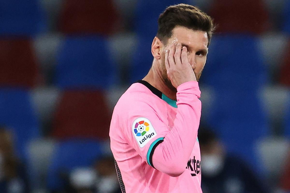 MU tiếp cận Varane, PSG thuyết phục Messi