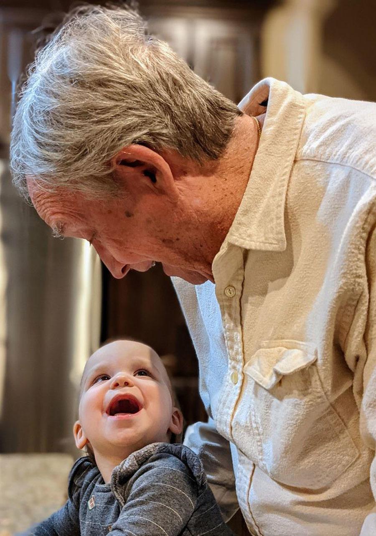 Bức ảnh về tình yêu của người già lay động triệu trái tim