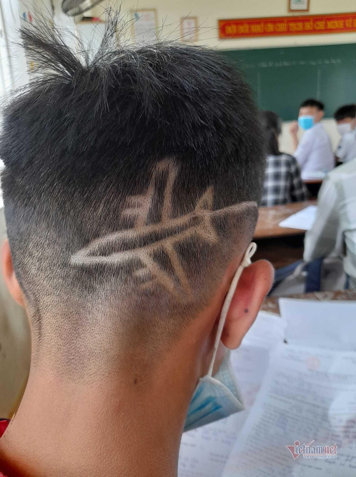 Xử trí bất ngờ của thầy giáo với mái tóc 'kì lạ' của học trò