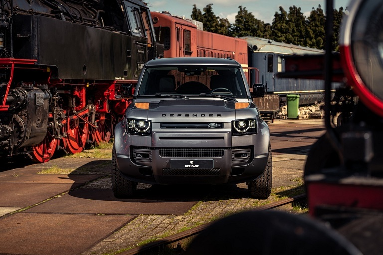 Land Rover Defender độ kiểu rỉ sét cho khách hàng thích chơi trội