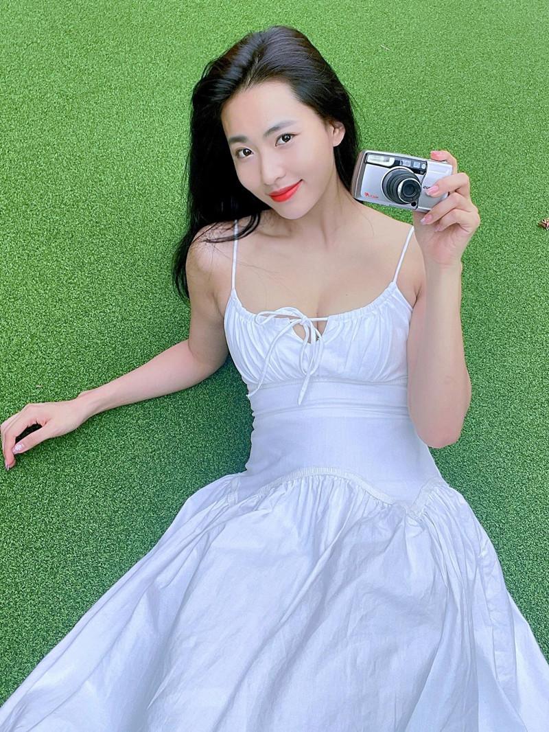 Nhan sắc Minh Trang 'Cây táo nở hoa'