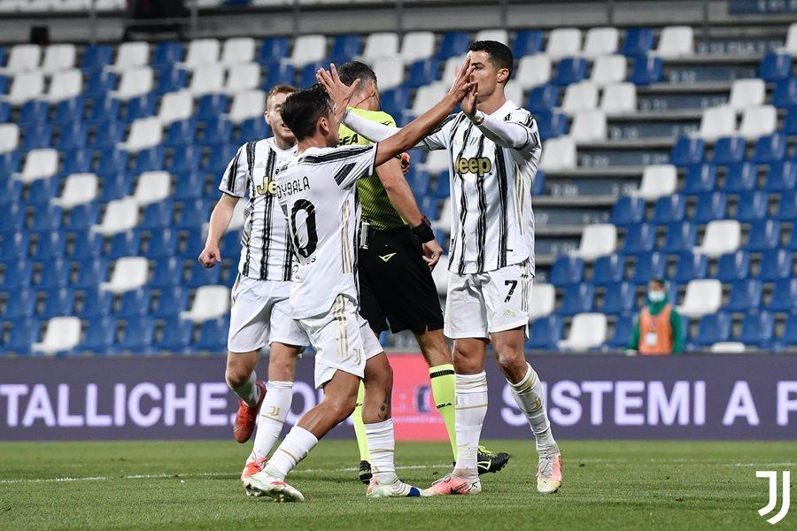 Ronaldo ghi bàn thứ 100, Juventus nuôi hi vọng vé C1