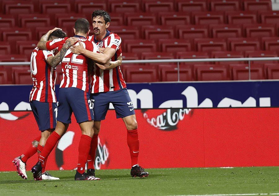 Oblak lên thần, Atletico chạm một tay vào ngôi vương