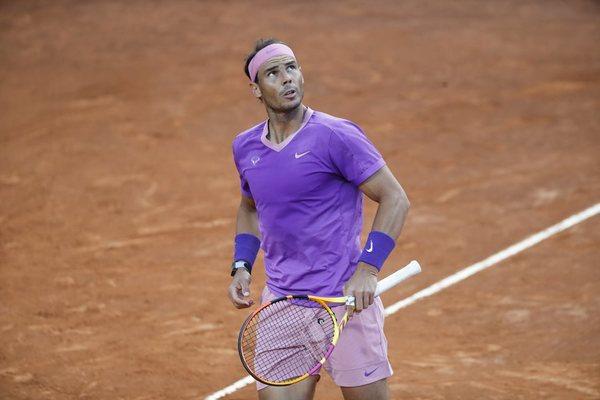 Rafael Nadal nhọc nhằn vào vòng 3 Rome Masters