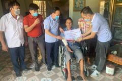 """""""Cảm ơn bạn đọc VietNamNet đã giúp tôi có chiếc xe lăn tự lái"""""""