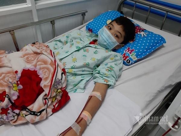 Bé trai lớp 6 suy kiệt nghiêm trọng vì bệnh thận