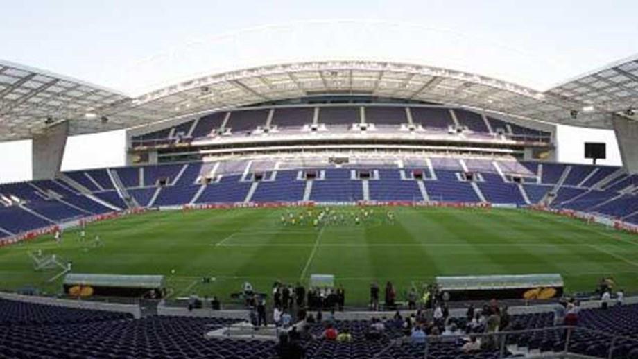 UEFA chốt chung kết Cúp C1 chuyển từ Istanbul đến Porto