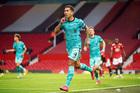 Liverpool đánh gục MU sau màn rượt đuổi nghẹt thở