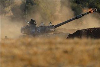 Xung đột leo thang, bộ binh Israel tấn công vào Gaza