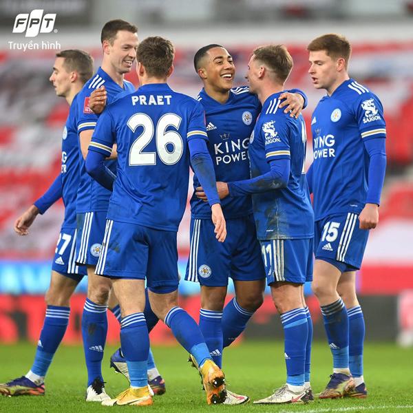 Chung kết FA Cup 2020-21: Trăm triệu fan 'mất ngủ' chờ Chelsea - Leicester City đối đầu