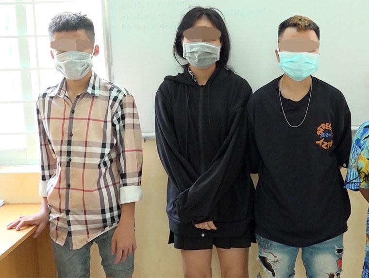 Nhóm thiếu niên cuỗm tiền của nữ chủ quán trà sữa để thuê du thuyền