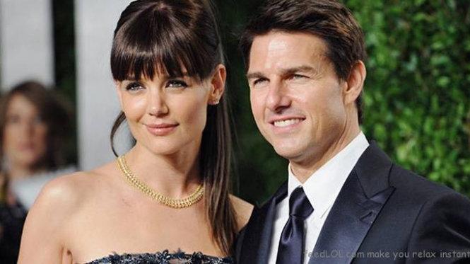 Vợ cũ Tom Cruise chia tay tình trẻ kém 8 tuổi