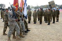 Mỹ rút 120 quân, khuyến cáo người dân tránh tới Israel