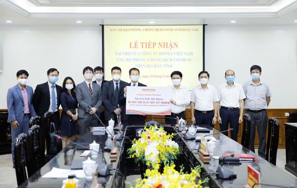 Honda Việt Nam ủng hộ máy xét nghiệm Covid-19 và máy trợ thở cho Vĩnh Phúc, Hà Nam