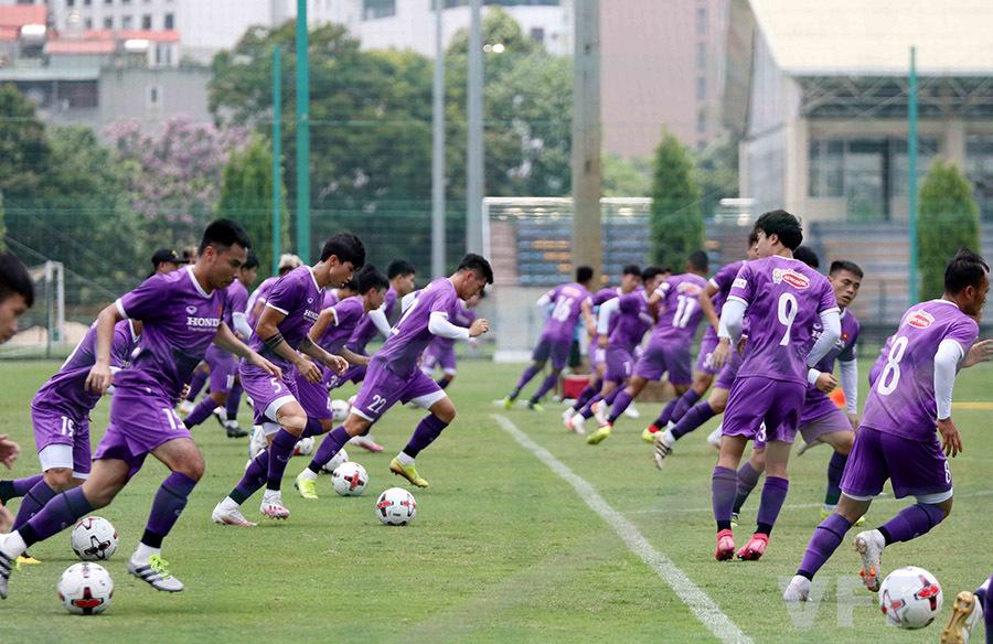 Văn Hậu báo tin vui với HLV Park Hang Seo