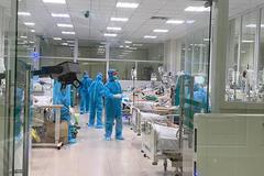 Sự thật thông tin 13 nhân viên y tế tiêm vắc xin vẫn mắc Covid-19