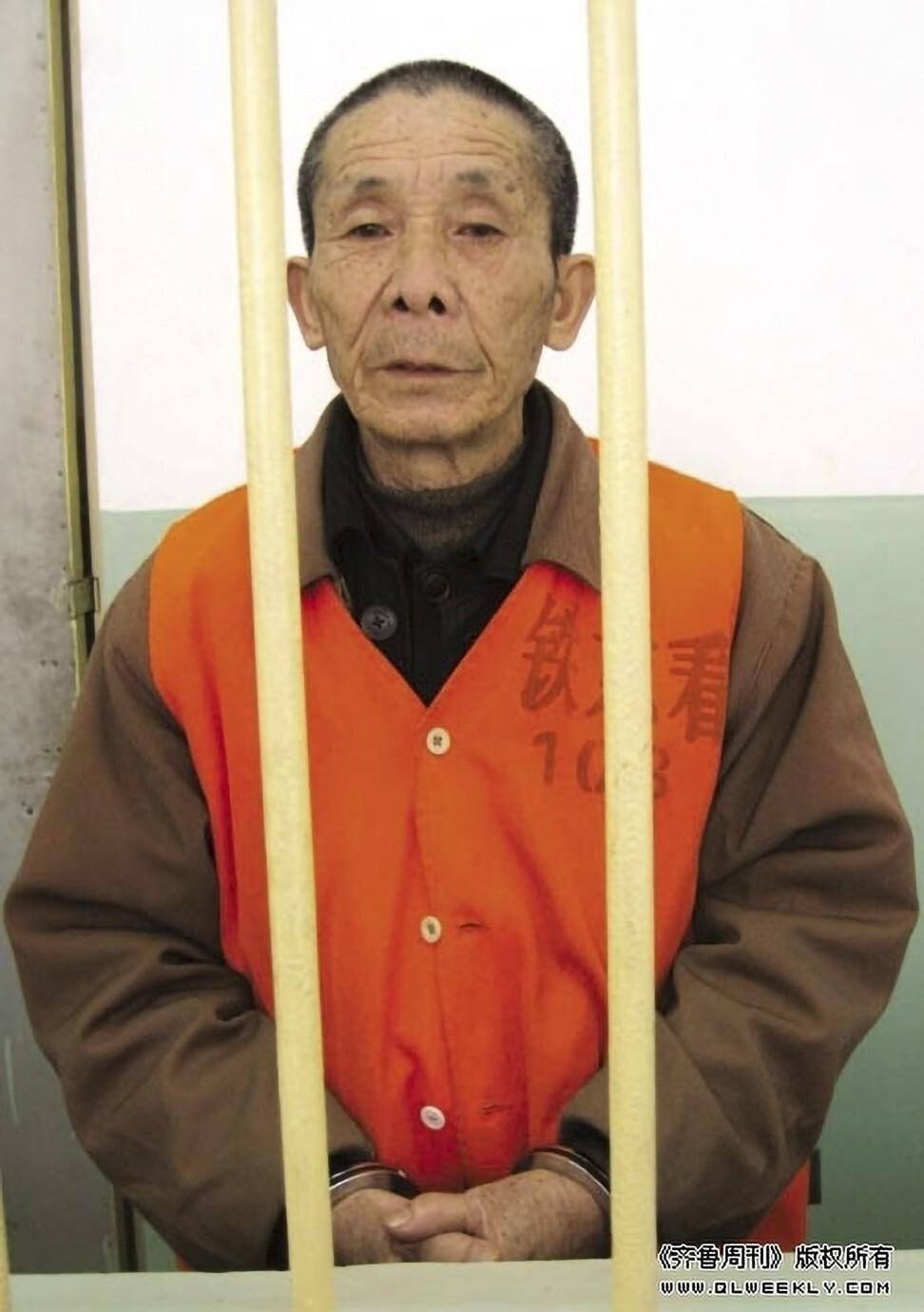 Đi cướp để được ngồi tù, cụ ông thoát cảnh nghèo khổ, đói ăn