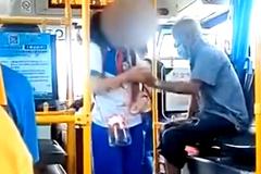 Clip nữ sinh bị người đàn ông sàm sỡ trên xe buýt nóng nhất MXH