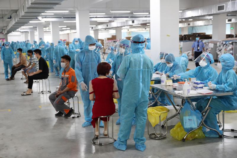 Ổ dịch Bắc Giang lây lan nhanh, Bộ Y tế chi viện khẩn