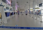 Sốc vì Covid: 79.000 hành khách 'tháo chạy', sân bay không một bóng người!