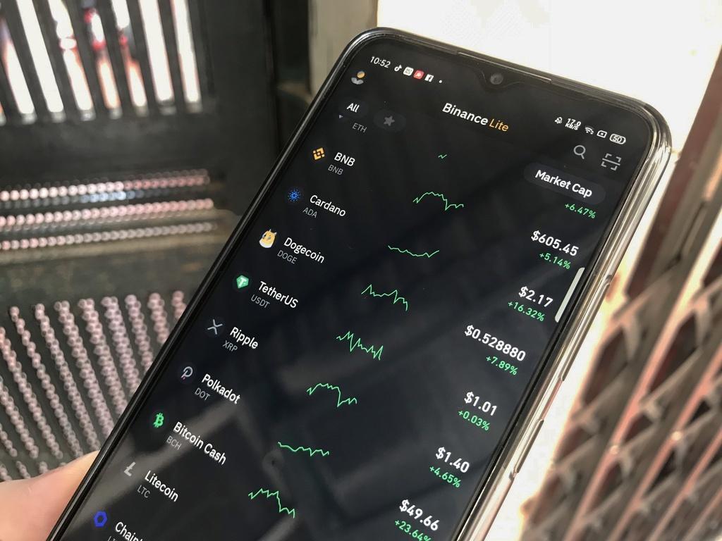 'Tâm lý sợ bị bỏ lỡ tràn ngập thị trường tiền mã hóa Việt Nam'