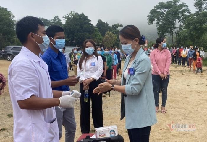 Cử tri 6 xã vùng biên giới Quảng Nam hào hứng đi bầu cử sớm