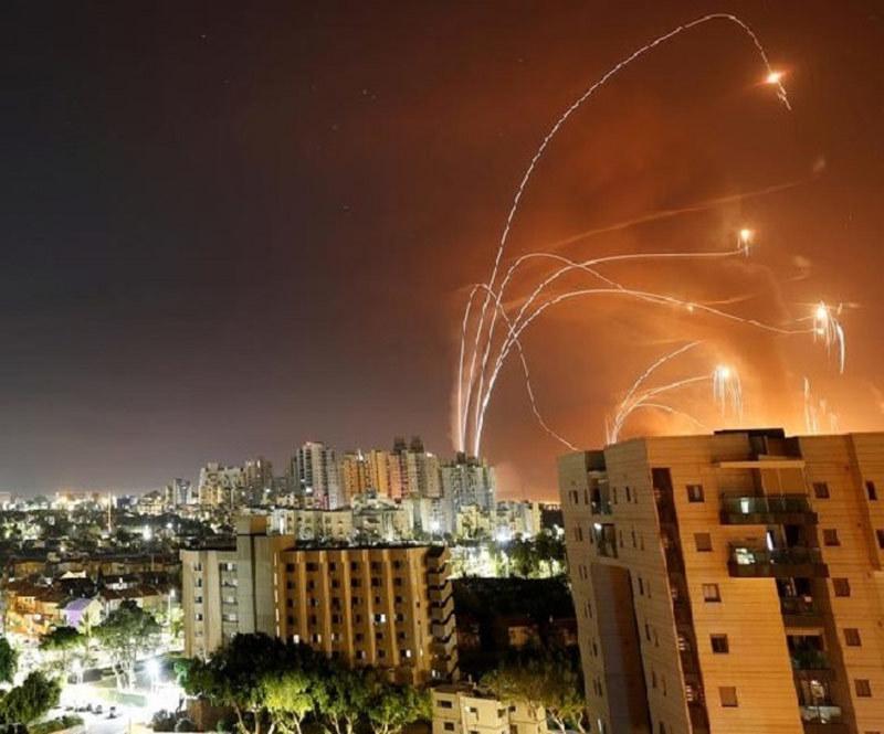 Uy lực hệ thống Vòm Sắt của Israel tiêu diệt mưa tên lửa Hamas