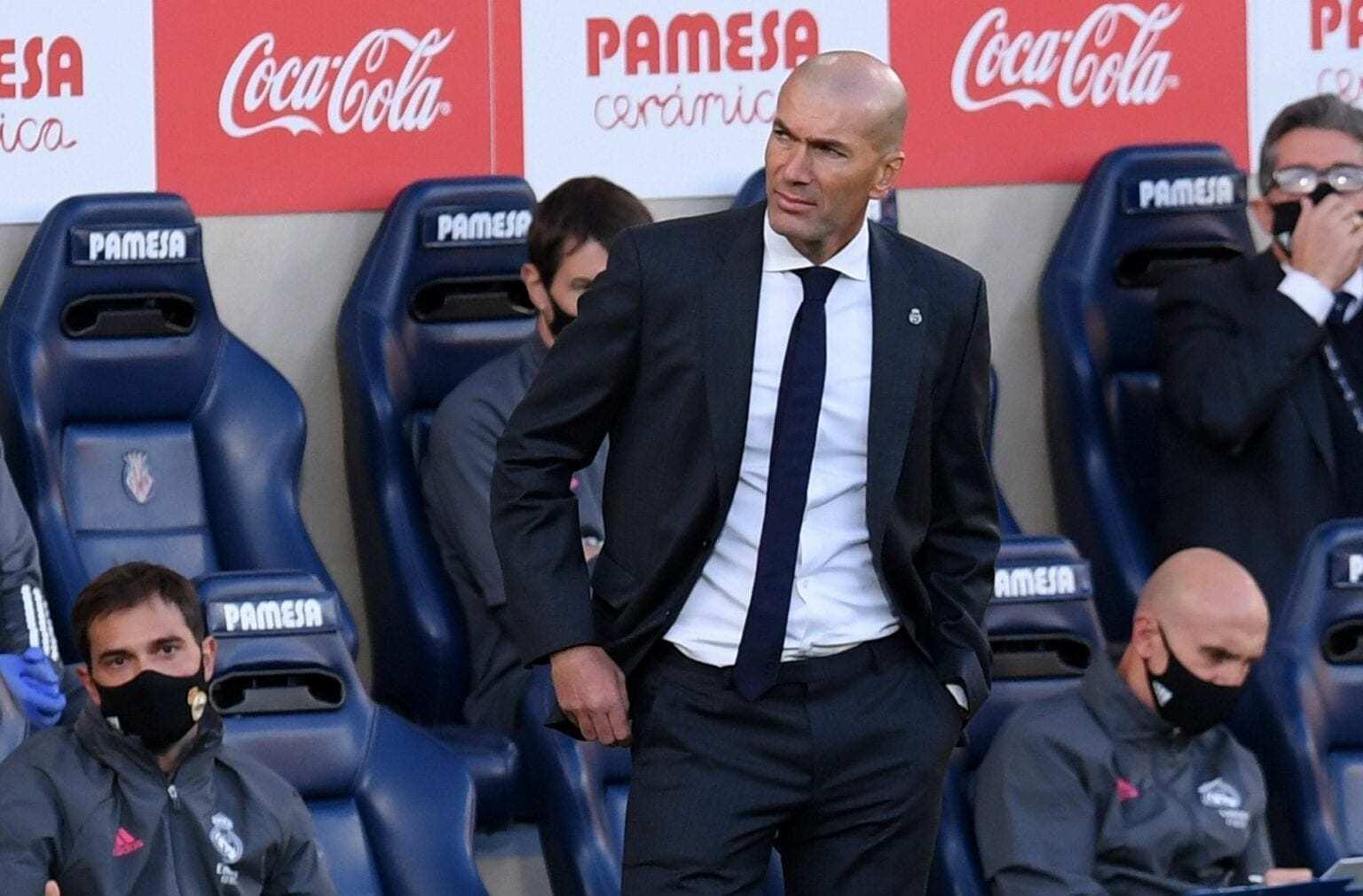 Zidane thông báo với cầu thủ Real Madrid sẽ ra đi vào cuối mùa