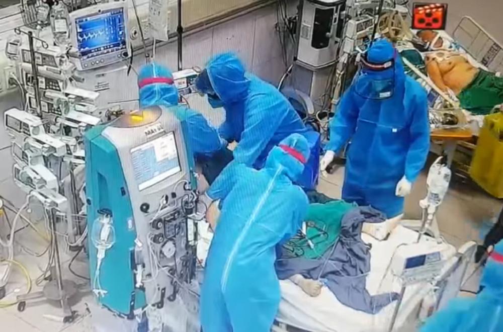 Lý do tỷ lệ tử vong của bệnh nhân Covid-19 tại Việt Nam thấp hơn thế giới