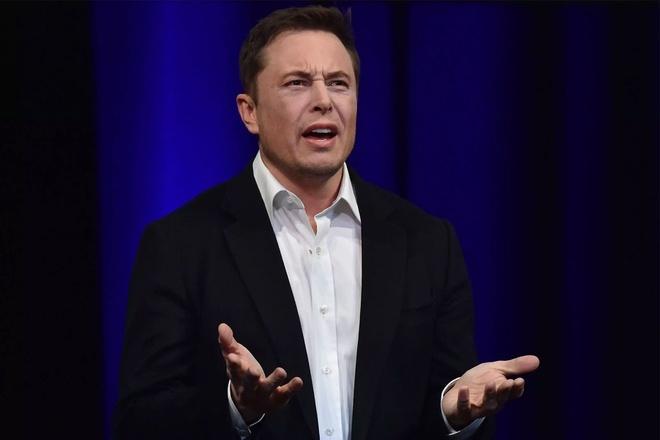 Một công ty có giám đốc là 'Tiến sĩ Elon Musk'