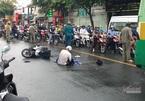 Người cha ngã quỵ ôm thi thể con gái gào khóc giữa đường sau tai nạn