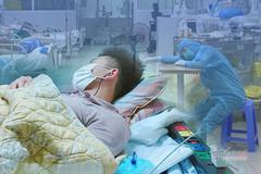 Y bác sĩ điều trị bệnh nhân Covid-19, đeo khẩu trang cả khi ngủ
