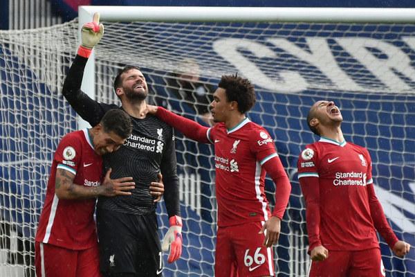 Liverpool đua vé Champions League: Alisson và món quà của Chúa