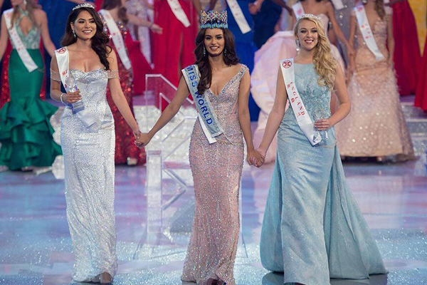 Vẻ đẹp nóng bỏng của Miss Universe 2020 cao 1m80 đến từ Mexico