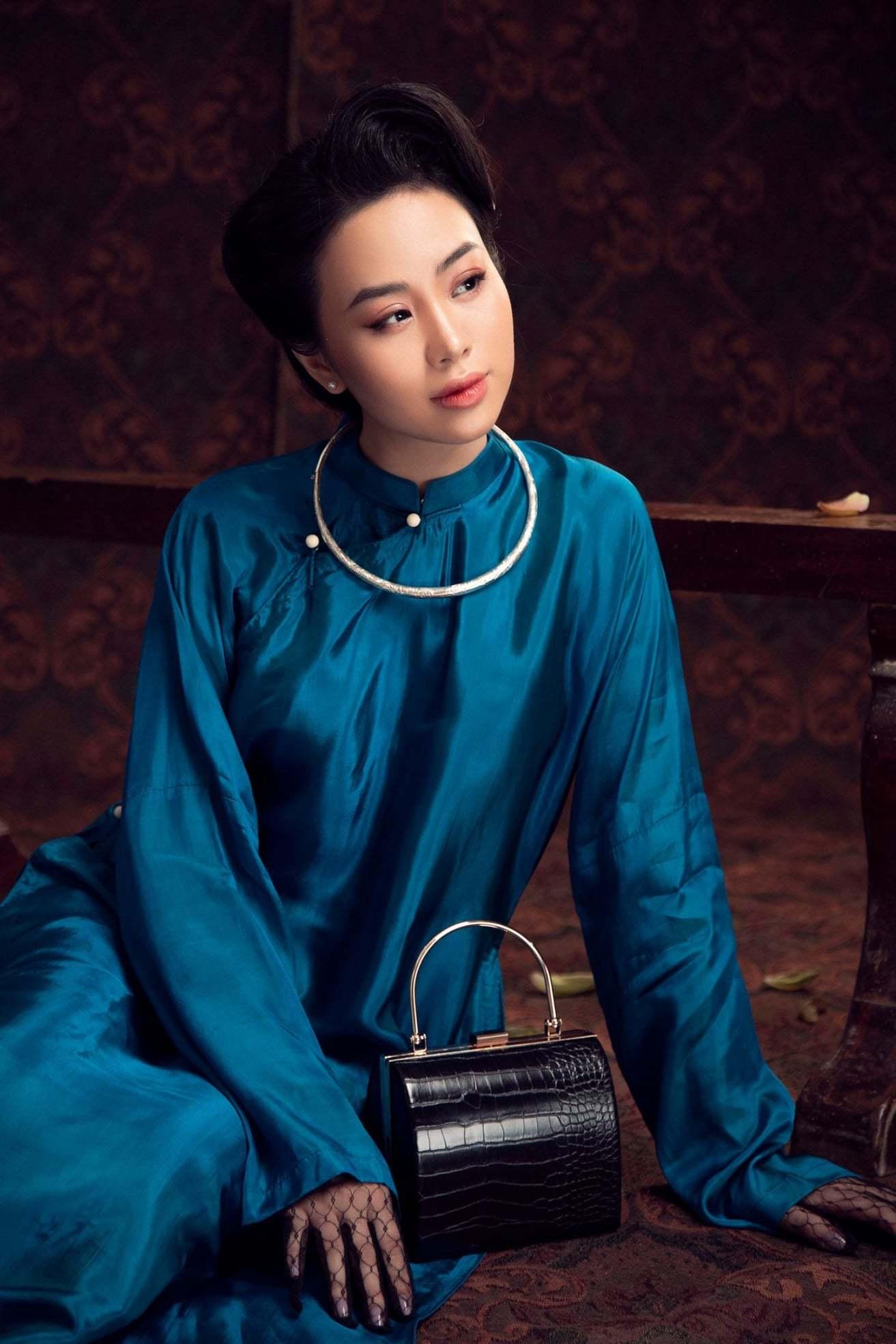 'Nàng thơ' Dương Huệ ra mắt album với loạt tình khúc 'Yêu'