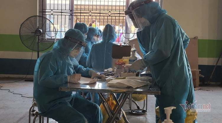Vũ khí của các bác sỹ trong tâm dịch Bắc Giang