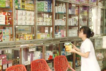 Người dân TP.HCM mua thuốc trị ho, sốt phải khai báo y tế