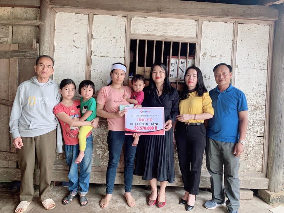 Chị Lê Thị Hằng cùng các con tiếp tục được bạn đọc ủng hộ