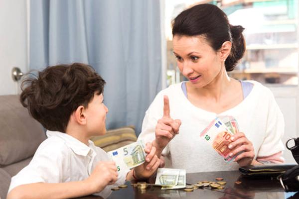Dạy cách tiêu tiền thông minh cho trẻ từ 2 - 15 tuổi