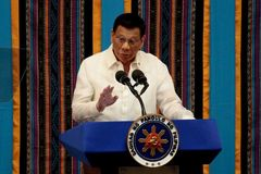 Tổng thống Philippines cấm nội các bàn công khai về Biển Đông