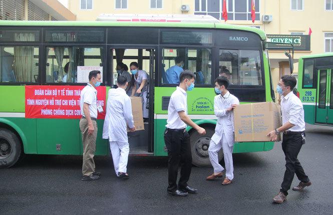 Thái Nguyên cử 51 y, bác sỹ hỗ trợ Bắc Giang phòng, chống Covid-19