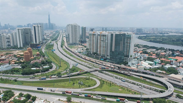 HCM City aims to finishmajor traffic projects this year